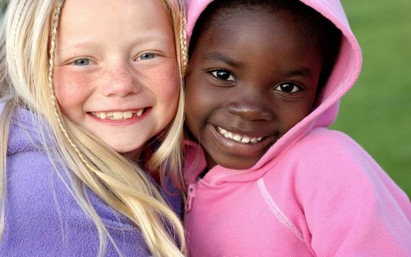 Integrated schools provide students the opportunity to have cross-racial friendships. Image from the hiphopdemocrat.com.